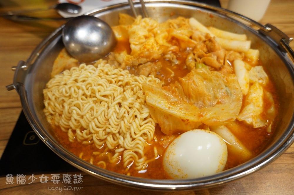 高雄左營韓式料理-Tigertopoki泰一格年糕火鍋(漢神巨蛋餐廳/捷運巨蛋站/多人聚餐)